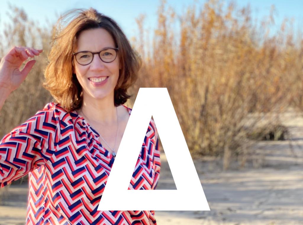 Dorothee Lange ist Expertin für Gesundheit, Pflege und Veränderung.